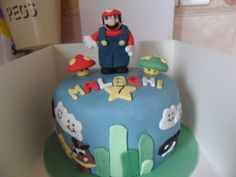 MARIO .... DID THIS CAKE 6 TIMES