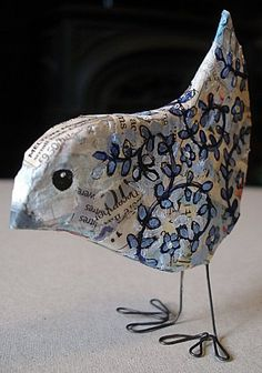 59 new ideas bird on a wire art paper mache Paper Mache Projects, Paper Mache Clay, Paper Mache Sculpture, Paper Mache Crafts, Bird Crafts, Art Projects, Diy Paper, Paper Art, Paper Mache Animals