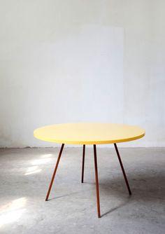 Round table   Muller Van Severen