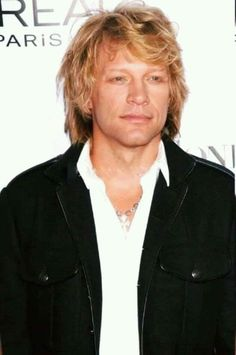 Jon Bon Jovi never give up!!