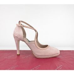 Encarga este #salon en otros #tejidos y #materiales desde aquí http://www.jorgelarranaga.com/es/zapatos-salon-stilettos-pumps/523-1025.html #SHOES #PLATFORMHEELS #PLATFORMSHOES #HEELS #HIGHHEELS #FASHIONTRENDS #zapatos #oinetakoak #sabates #chaussures #schuhe #scarpe
