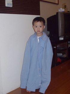this guanlin being cute New Baby Names, Guan Lin, Lai Guanlin, Cute Poses, Dream Boy, Ha Sungwoon, Kim Jaehwan, Boyfriend Material, To My Future Husband