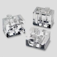 <strong>Medical Polished Acrylic Manifold </strong><br /><p>Acrylic Polished Manifold for a Medical Application</p>