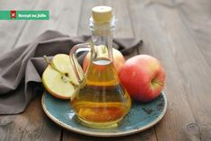 Apple cider vinegar is fermented apples and water. It is a wildly popular ingredient used in natural health remedies, whether for managing health conditions or aiding weight loss. Learn more about the scientific research behind apple cider vinegar. What Is Psoriasis, Psoriasis Remedies, Apple Health Benefits, Apple Cider Benefits, Health Remedies, Home Remedies, Natural Remedies, Natural Treatments, Body Creams