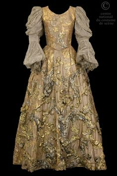 this is like the gold/silver branch forest from the 12 dancing princesses, but in dress form