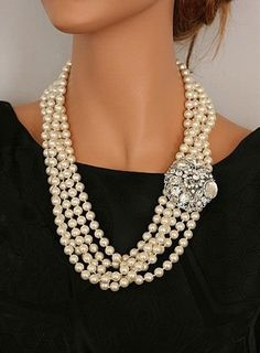 Pearls - Gorgeous Classic Pearl Necklace with Diamond Clip. Bling Bling, Jewelry Accessories, Fashion Accessories, Fashion Jewelry, Premier Designs Jewelry, Jewelry Design, Necklace Designs, Premier Jewelry, Necklace Ideas
