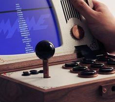 レトロなデザインがかわいい、ポータブルアーケードゲーム機「R-KAID-R」 | Q ration(キューレーション) | QUAEL bags | クアエル