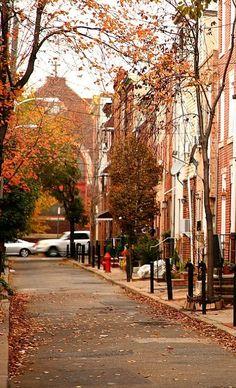 Bellavista neighborhood of Philadelphia, Pennsylvania, U. Autumn Aesthetic, City Aesthetic, Beautiful Places, Beautiful Pictures, House In Nature, Autumn Scenes, Autumn Cozy, Autumn Inspiration, Science And Nature