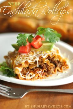 Enchilada Beef Rollups: a delicious dinner that pleases the pasta lovers and mexican food lovers!the best of both worlds! Pasta Recipes, Beef Recipes, Mexican Food Recipes, Dinner Recipes, Cooking Recipes, Mexican Dishes, Cooking Tips, Dinner Ideas, Spanish Recipes
