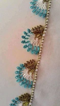 This Pin was discovered by Kzb Mode Crochet, Diy Crochet, Needle Tatting, Needle Lace, Freeform Crochet, Crochet Diagram, Crochet Borders, Crochet Patterns, Crochet Edgings