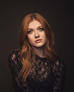 Welcome to Kat McNamara Daily. Your best source for all things Katherine Grace McNamara. Kat is best. Katherine Mcnamara, Clary Fray, Beautiful Redhead, Beautiful People, Shadowhunters, Peinados Pin Up, Pretty Face, Redheads, Hair Color