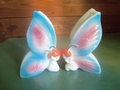 Vintage butterfly salt and pepper shakers by SETXTreasures on Etsy