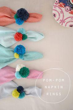 #DIY Pom-Pom Napkin Rings http://www.kidsdinge.com     https://www.facebook.com/pages/kidsdingecom-Origineel-speelgoed-hebbedingen-voor-hippe-kids/160122710686387?sk=wall     http://instagram.com/kidsdinge