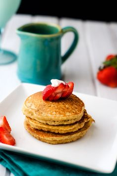 These Almond Flour Quinoa Pancakes are a deliciously healthy way to start your morning! These hearty pancakes are nutrition packed. Quinoa Pancakes, Almond Flour Pancakes, Pancakes And Waffles, What's For Breakfast, Savory Breakfast, Breakfast Recipes, Breakfast Biscuits, Gluten Free Cooking, Gluten Free Recipes