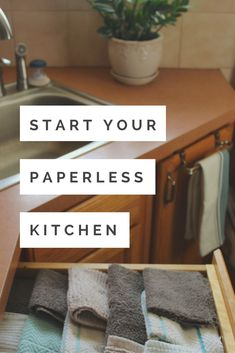 Starting a paperless kitchen is as simple as collecting a few rags and being willing to form a new, more sustainable habit. Sustainable Lifestyle // Eco- Friendly Home Zero Waste, Reduce Waste, Reduce Reuse, Eco Friendly House, Eco Friendly Cars, Reuse Recycle, Natural Cleaning Products, Green Life, Sustainable Living