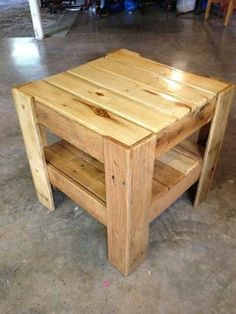 Bedside Or End Table Made From Pallets --- #pallets #palletproject