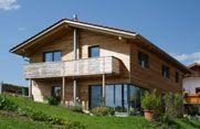 Unser Referenzobjekt Holzhaus 8 im Allgäu, Holzhäuser der Holzhauswerkstatt Riedle & Bader in Baisweil