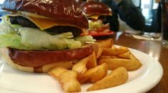 Hamburger. 수제 햄버거.
