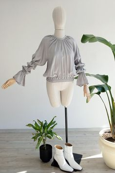 Elasticated cropped waisted blouse with Marie sleeve gathers and cloth button center back fastening. Machine Washable at a gentle But Hand Wash Advised for longer wear! The Monday Marie Gray Types Of Sleeves, Sleeve Types, Summer Tops, One Size Fits All, Ruffle Blouse, Button, How To Wear, Clothes, Gray
