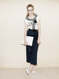 If you're looking for some chic summer style inspo, MOUSSY has a number of day to night looks that are hot-temp ready but also suitable for the cooler nights. Casual Chic Summer, Black Midi Skirt, Night Looks, Summer 2014, Summer Looks, Preppy, Summer Outfits, Dress Up, Normcore