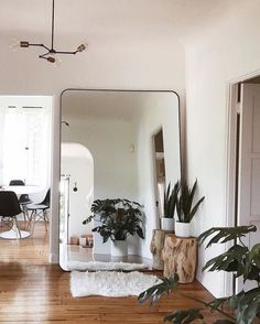 + calm Los Angeles living (via . - Simple + calm Los Angeles living (via / Shop our Vega 3 C -Simple + calm Los Angeles living (via . - Simple + calm Los Angeles living (via / Shop our Vega 3 C - Make small spaces seem larger with a giant . My New Room, My Room, Living Room Decor, Bedroom Decor, Dining Room, Home Decor Inspiration, Decor Ideas, Room Ideas, Decorating Ideas