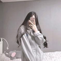Discover recipes, home ideas, style inspiration and other ideas to try. Korean Girl Fashion, Korean Fashion Online, Ulzzang Fashion, Ulzzang Korean Girl, Cute Korean Girl, Asian Girl, Korean Aesthetic, Aesthetic Girl, Girls Mirror
