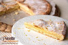 Una crostata dal sapore delicato e dal fresco profumo di limone che vi conquisterà al primo morso.
