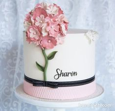 Fantasy Mini Cake for Daekhraun Birthday with Flower Decoration .- مینی کیک فانتزی جشن تولد دخترونه با تزیین گل… Fantasy Mini Cake for Daughterroon Birthday Celebration with Pink Fondant Pasty Flowers Decoration - Cute Cakes, Pretty Cakes, Gorgeous Cakes, Amazing Cakes, Fondant Cakes, Cupcake Cakes, Cake Feta, Paris Themed Cakes, Bolo Floral