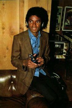 Our prodigal son, Mister Jackson. Paris Jackson, Mike Jackson, Jackson Family, Photos Of Michael Jackson, Michael Jackson Rare, Guinness, Rock And Roll, King Of Music, Mj Music