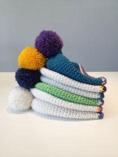 basic beanies Beanies, Slippers, Gallery, Hats, Fashion, Moda, Beanie Hats, Roof Rack, Hat