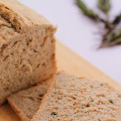 Pan exprés de cebolla en escamas, tomillo y romero Thermomix