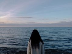 Image about girl in Sea💙🌊 by Mané Grigoryan on We Heart It Girl Photography, Creative Photography, Tmblr Girl, Shadow Pictures, Sad Girl, Aesthetic Girl, Photo Poses, Aesthetic Pictures, Cute Couples