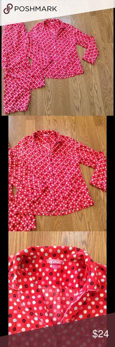 LOVE PINK VICTORIA SECRET PAJAMAS Super cute set. VS LOVE PINK size L in excellent condition. Pajamas set! PINK Victoria's Secret Intimates & Sleepwear Pajamas