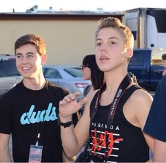 This is totally adorable of them I love this pic of Matt Espinosa!❤️