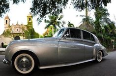 If you want a local limousines company that focus on customer satisfaction and safety, choose Florian's Classics. They have professional private chauffeurs, who provide personalized services.