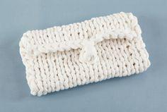 Free Knitting Pattern L20003 Nimbus Clutch : Lion Brand Yarn Company