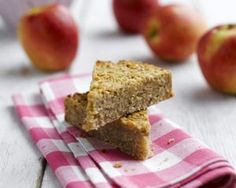 Apple flapjacks are easy to make with apples, oats, golden syrup and a pinch of ginger