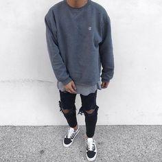 New sweatshirt outfit men simple Ideas Tomboy Fashion, Streetwear Fashion, Mens Fashion, Dope Fashion, Swag Fashion, Fashion Mask, 2000s Fashion, Fashion Pants, Fashion Clothes