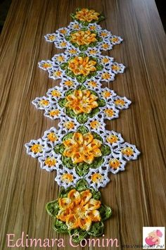 Visit the site for details. Christmas Crochet Patterns, Crochet Flower Patterns, Crochet Motif, Crochet Designs, Crochet Flowers, Crochet Table Runner, Crochet Tablecloth, Crochet Fall, Crochet Home
