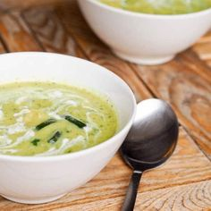 This easy and Creamy Vegan Zucchini Soup recipe is perfect for a cold day. GF, low calorie and low carb too. Only 6 ingredients needed!