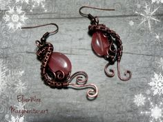 Handmade earrings made by hand in copper wire to wire with polished antique oxidized quartz stone strawberry strawberry fantasy gift idea