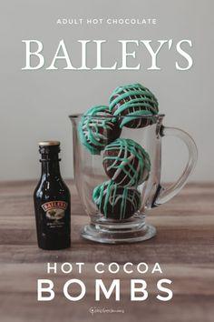 Hot Chocolate Baileys, Hot Chocolate Gifts, Chocolate Almond Bark, Christmas Hot Chocolate, Chocolate Bomb, Hot Chocolate Bars, Hot Chocolate Recipes, Hot Cocoa Recipe, Bombe Recipe
