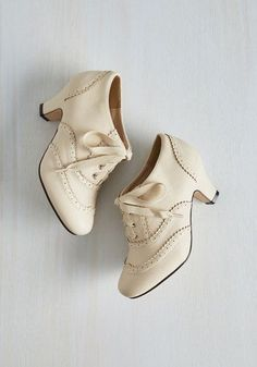 Dance it Up Heel in Cream - Cream, Solid, Scallops, Vintage Inspired, 20s, Darling, Good, Lace Up, Mid, Faux Leather, Exclusives, Variation