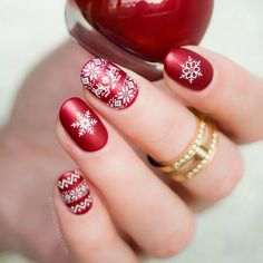 48 Popular Ideas of Christmas Nails Designs To Try in 2018 Snowflakes On Your Nails ❤️ Christmas nails art is all that you need when the holiday season hits. These Christmas nails design ideas are at your disposal! Xmas Nails, Holiday Nails, Christmas Nails, Pink Nails, Winter Christmas, Christmas Snowflakes, Christmas Nail Art Designs, Winter Nail Designs, Trendy Nail Art