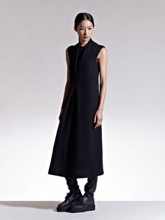 LUCAS NASCIMENTO WOMEN'S CHENILLE PLEATED SLEEVELESS DRESS