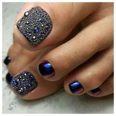 43 of the Best Nail Art on Toes Toes! 43 of the Best Nail Art on Toes - Toes! 43 of the Best Nail Art on Toes - Pretty Toe Nails, Cute Toe Nails, Pretty Toes, Fancy Nails, Glitter Toe Nails, Pedicure Designs, Manicure E Pedicure, Toe Nail Designs, Pedicure Ideas