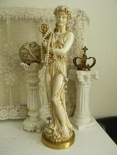 chippy statue