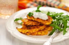Weight Watchers Friendly Low Calorie and Low Fat Sweet Potato Latkes Recipe with Egg, Brown Sugar, Cloves, and Cinnamon - 3 WW SmartPoints, 68 Calories Savoury Dishes, Food Dishes, Side Dishes, Chickpea Fritters, Cauliflower Fritters, Corn Fritters, Zucchini Fritters, Sweet Potato Fritters, Cooking Recipes