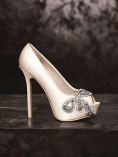 Vera Wang bridal shoes Vera Wang Wedding Shoes, White Wedding Shoes, White  Shoes, c459e5246c76
