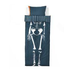 IKEA - BENRANGEL, Pussilakana + 1 tyynyliina, , Puuvillaa, joka tuntuu mukavan pehmeältä lapsen ihoa vasten.